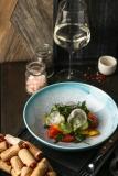 Салат из сезонных овощей - 290 р.