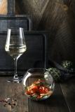 Салат с лососем, томатами, артишоками  и рукколой - 520 р.